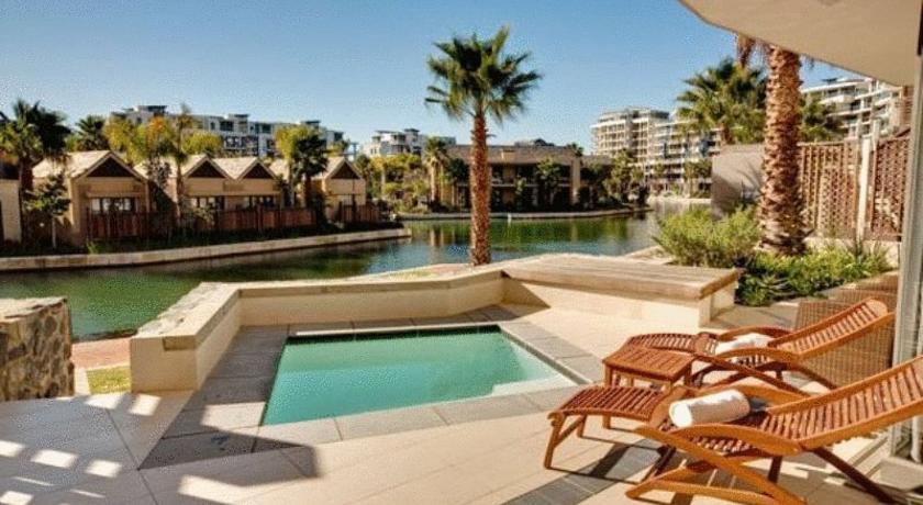 Photo de Lawhill Apartments - V & A Waterfront, Cape Town