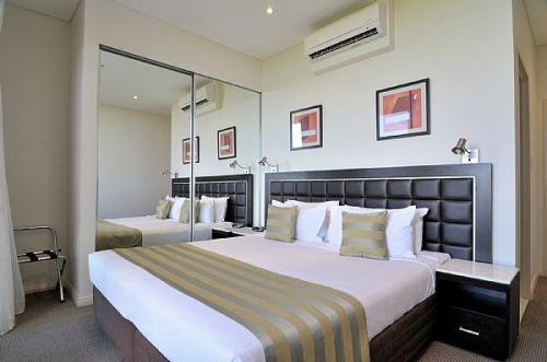 Sydney Hotels with Indoor Swimming Pool   OrangeSmile com