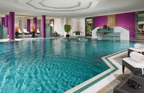 Familienhotel schwimmbad augsburg umgebung wohndesign for Familienhotel design