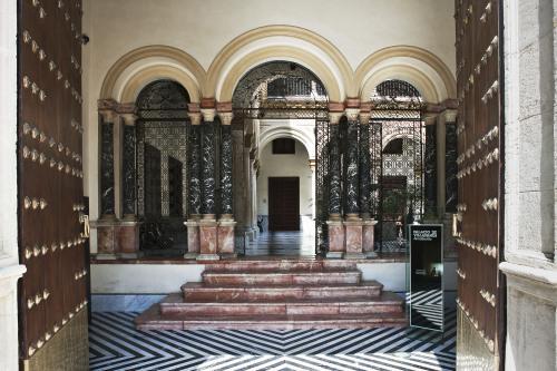 Отель AlmaSevilla - Hotel Palacio De Villapanes