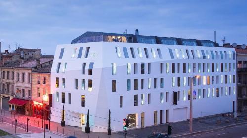 Hôtels De Bordeaux Avec Piscine Couverte. Réservation Des Hôtels