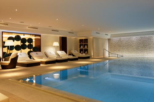 15 Hotels With Outdoor Swimming Pool In Near Paris