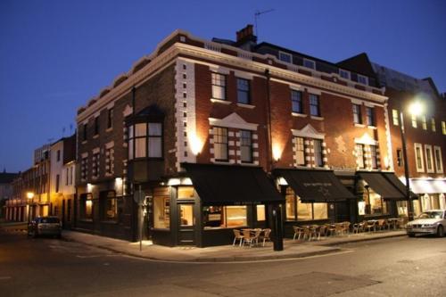 Hotel The White Star Tavern