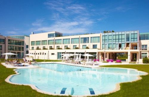22 Hotels With Outdoor Swimming Pool In Near Pisa