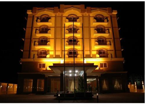 Hotel Safeer Continental Hotel