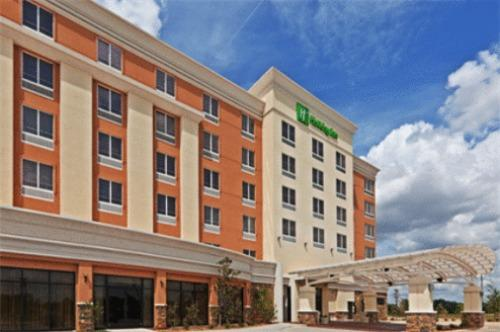 Pets Friendly Hotels In Oklahoma City Best Rates Reviews Photos By Orangesmile