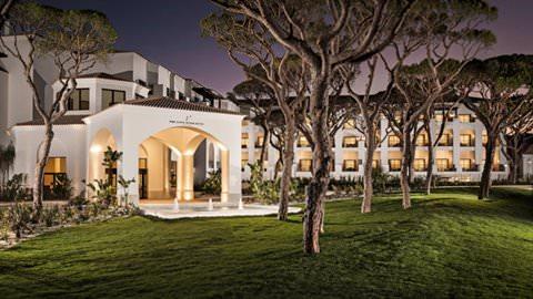Pine Cliffs Ocean Suites, a Luxury Collection Resort & Spa, Algarve