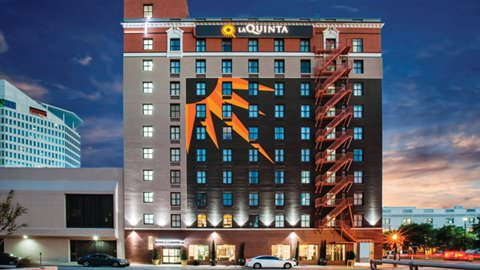 La Quinta by Wyndham Dallas Downtown