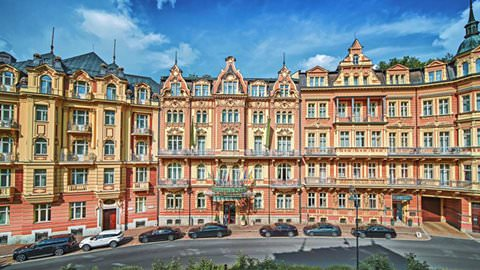 in Karlovy Vary pikkelysömör kezelésében vörös foltok a lábán viszketnek mi ez