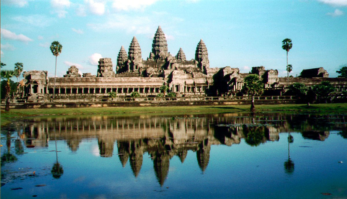 Top 20 Famous Castles and Palaces in the World  Most ...