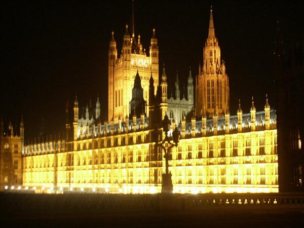 http://www.orangesmile.com/ru/tmp/london_parlament.jpg
