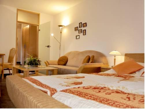 Romantic hotels in aachen best places for your intimate for Designhotel winterberg