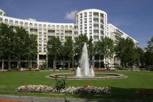 Фото отеля Ramada Plaza Berlin City Centre Hotel & Suites, Berlin