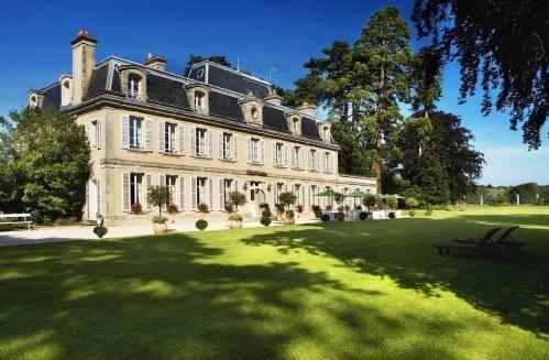 Foto von Chateau La Cheneviere, Port-en-Bessin-Huppain