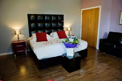Фото отеля The Royal Hotel Cardiff - A Bespoke Hotel, Cardiff