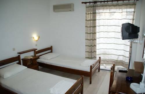 Фото отеля Hotel Galazio Limani, Moúdhros