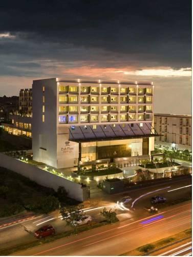 Фото отеля Park Plaza Bengaluru, Bangalore