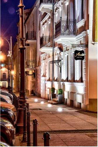 Top romantic hotels in poland best places for intimate for Hotel agrustos