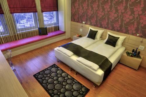 Photo of Z Executive Boutique Hotel, Bucharest